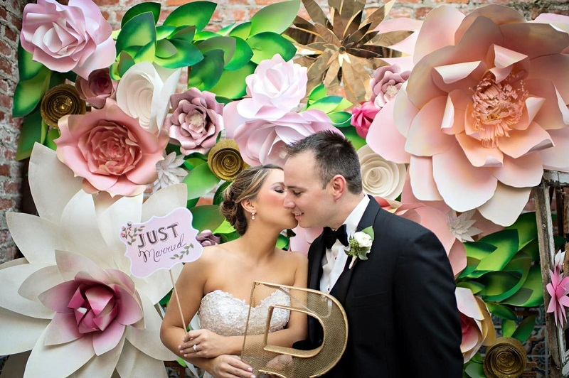What Are The Advantages Of Doing A Photo Booth Hire For A Wedding