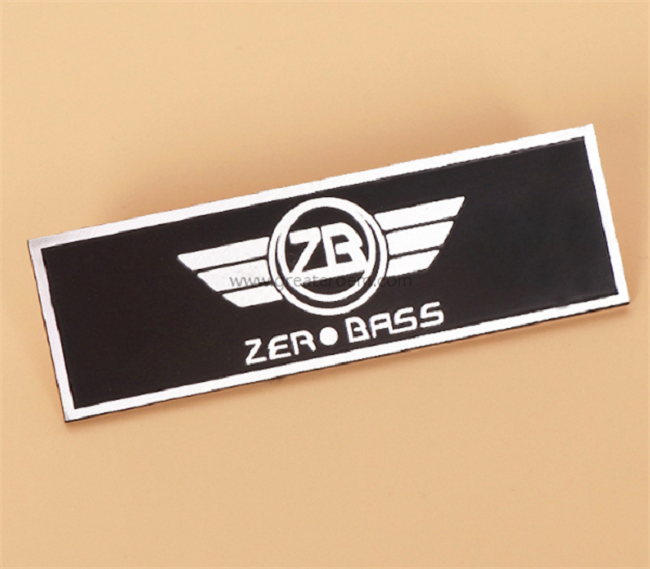 What Are The Factors To Consider Before Purchasing The Customized Nameplate