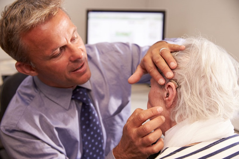 What Are The Factors To Consider When Choosing A Hearing Aid