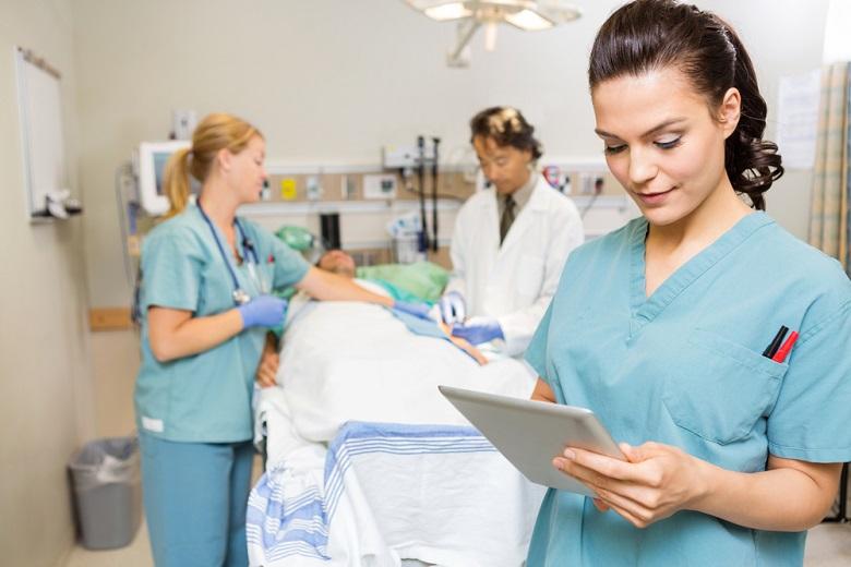 Responsibilities of a Home Care Service CNA Nurse